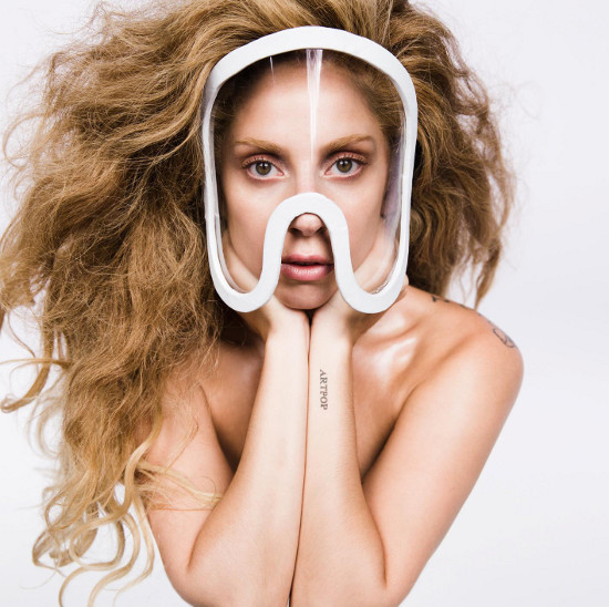 ec39efdd5df190 Retrouvez ci-dessus un tutorial vidéo qui vous permettra de créer le fameux  Masque que Gaga porte sur cette ...