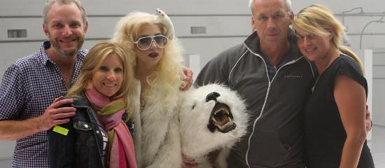 Photos – Lady Gaga sur le tournage de ses anciens clips