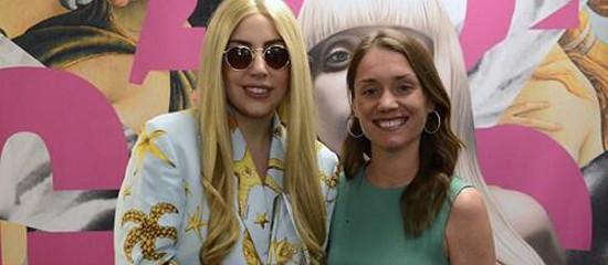 La RIAA  remet un Diamond Award à Lady Gaga