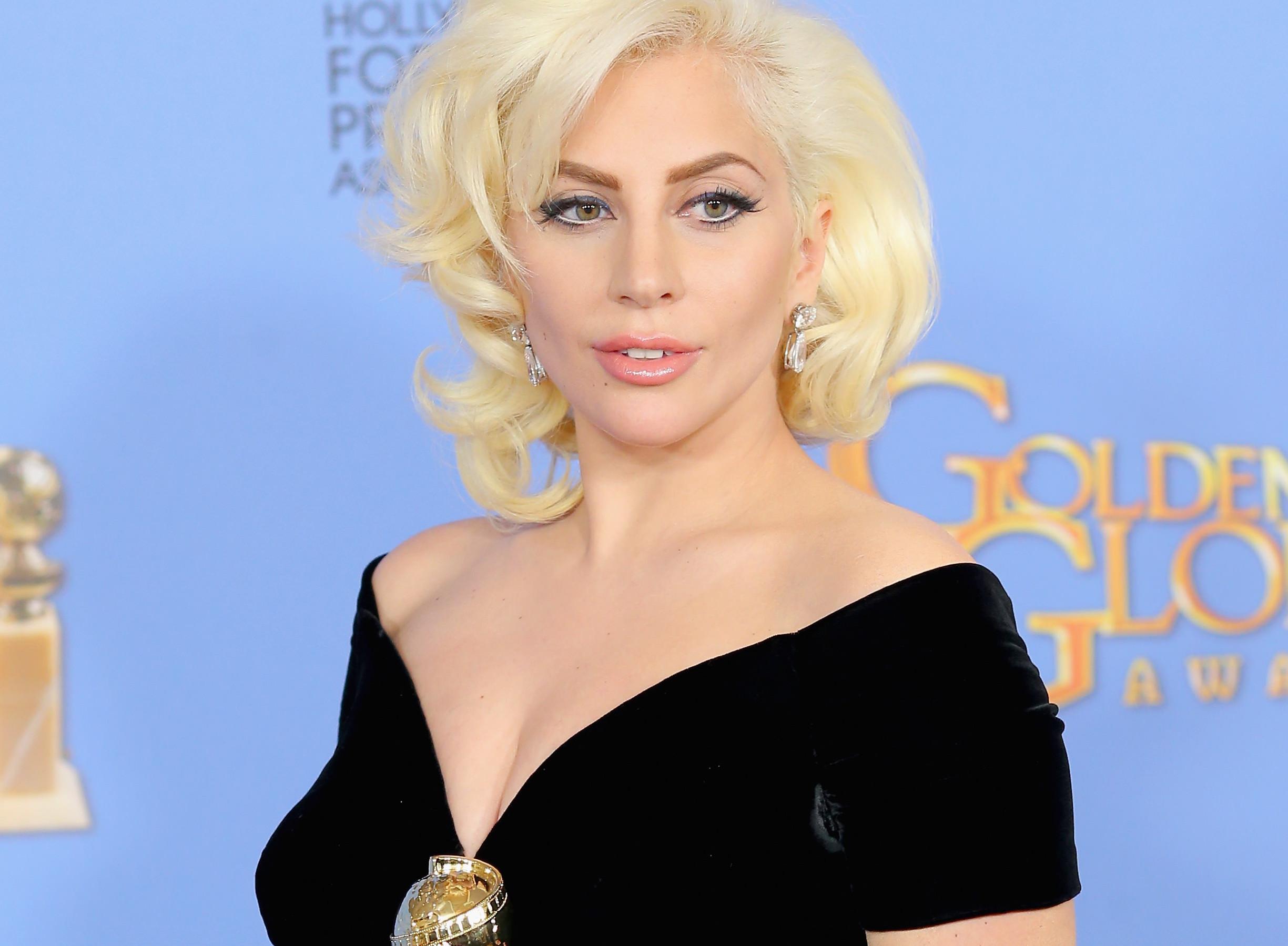 Lady Gaga aux Golden Globes