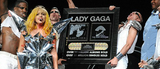 11 certifications pour Lady Gaga