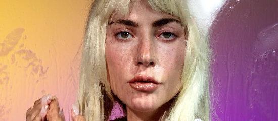 """<span class=""""entry-title-primary"""">Lady Gaga pour le New York Times Magazine</span> <span class=""""entry-subtitle"""">MAJ du 11/10 : Ajout de l'interview en français</span>"""