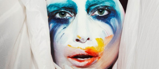 Lady Gaga sort en avance son nouveau single Applause!