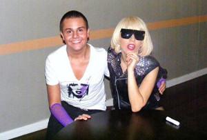 Lady Gaga s'adresse à un fan en détresse