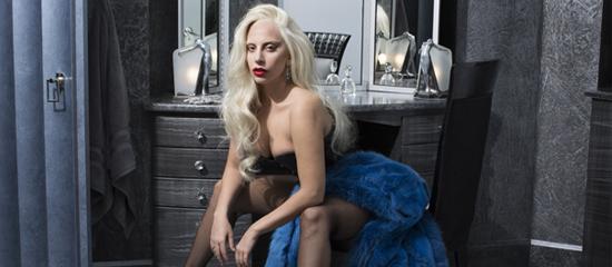 Lady Gaga co-préside le gala amfAR