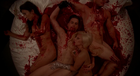 AHS : Hotel – Critiques sur Gaga