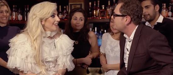 Lady Gaga dans Happy Hour avec Alan Carr