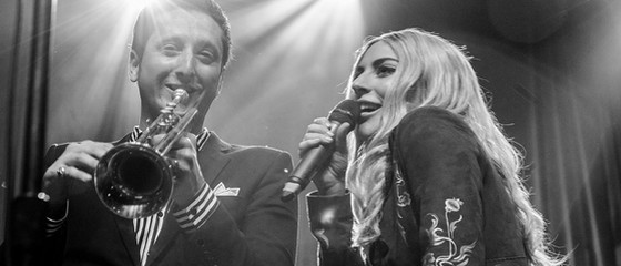 Lady Gaga en duo avec Brian Newman