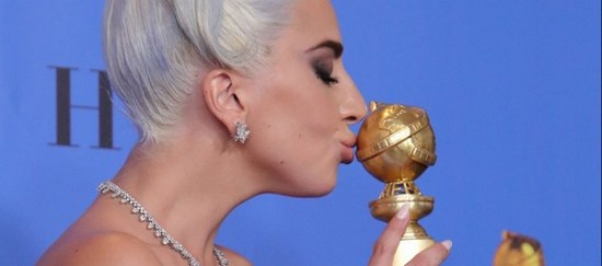 Lady Gaga aux Golden Globes