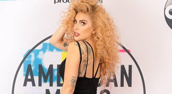 Lady Gaga nommée aux American Music Awards